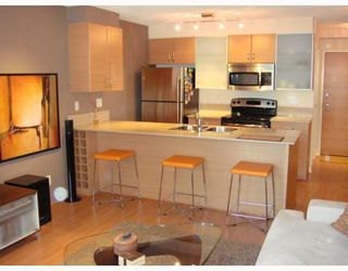 """Photo 3: 309 928 HOMER Street in Vancouver: Downtown VW Condo for sale in """"Yaletown Park I"""" (Vancouver West)  : MLS®# V761392"""