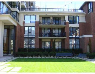 """Photo 1: 309 928 HOMER Street in Vancouver: Downtown VW Condo for sale in """"Yaletown Park I"""" (Vancouver West)  : MLS®# V761392"""