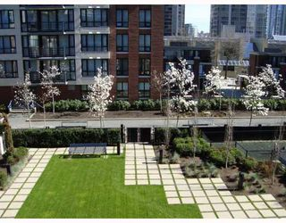 """Photo 7: 309 928 HOMER Street in Vancouver: Downtown VW Condo for sale in """"Yaletown Park I"""" (Vancouver West)  : MLS®# V761392"""