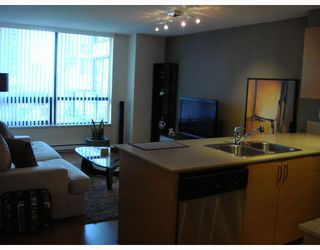 """Photo 4: 309 928 HOMER Street in Vancouver: Downtown VW Condo for sale in """"Yaletown Park I"""" (Vancouver West)  : MLS®# V761392"""
