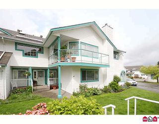 """Photo 1: 304 21937 48TH Avenue in Langley: Murrayville Condo for sale in """"ORANGEWOOD"""" : MLS®# F2910537"""