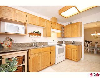 """Photo 5: 304 21937 48TH Avenue in Langley: Murrayville Condo for sale in """"ORANGEWOOD"""" : MLS®# F2910537"""