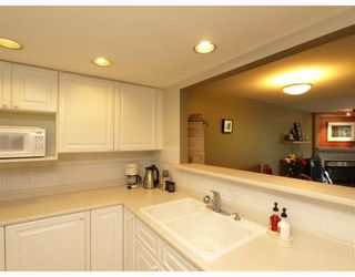 "Photo 6: 303 789 W 16TH Avenue in Vancouver: Fairview VW Condo for sale in ""SIXTEEN WILLOWS"" (Vancouver West)  : MLS®# V774177"