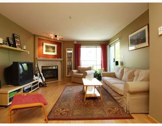 "Photo 3: 303 789 W 16TH Avenue in Vancouver: Fairview VW Condo for sale in ""SIXTEEN WILLOWS"" (Vancouver West)  : MLS®# V774177"