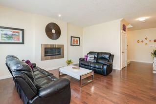Photo 3: 7908 22 Avenue in Edmonton: Zone 53 House for sale : MLS®# E4170201