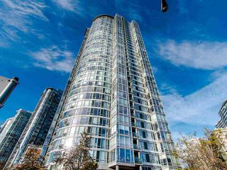 """Main Photo: 2901 1033 MARINASIDE Crescent in Vancouver: Yaletown Condo for sale in """"Quaywest"""" (Vancouver West)  : MLS®# R2439944"""