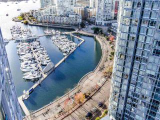"""Photo 9: 2901 1033 MARINASIDE Crescent in Vancouver: Yaletown Condo for sale in """"Quaywest"""" (Vancouver West)  : MLS®# R2439944"""