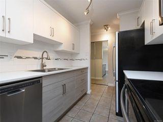 Photo 2: 418 909 Pembroke St in : Vi Central Park Condo for sale (Victoria)  : MLS®# 856451
