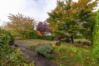 Photo 2: 650 W 27TH Avenue in Vancouver: Cambie House for sale (Vancouver West)  : MLS®# R2511713