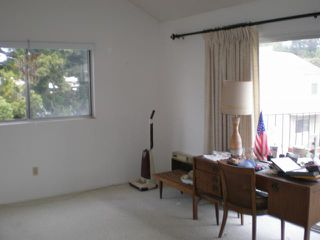 Photo 6: SAN DIEGO Condo for sale : 3 bedrooms : 4484 EASTGATE MALL #8