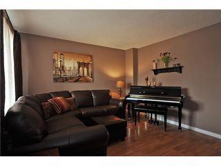 Photo 3: 87 SHAWCLIFFE Green SW in CALGARY: Shawnessy Residential Detached Single Family for sale (Calgary)  : MLS®# C3421802