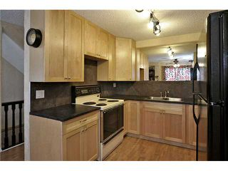 Photo 5: 87 SHAWCLIFFE Green SW in CALGARY: Shawnessy Residential Detached Single Family for sale (Calgary)  : MLS®# C3421802