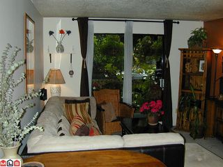 "Photo 4: 110 1442 BLACKWOOD Street: White Rock Condo for sale in ""BLACKWOOD MANOR"" (South Surrey White Rock)  : MLS®# F1021737"