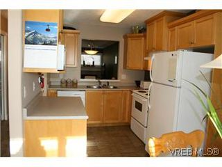 Photo 5: 26 300 Six Mile Road in VICTORIA: VR Six Mile Townhouse for sale (View Royal)  : MLS®# 288529