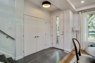 Photo 2: 10159 89 Street in Edmonton: Zone 13 House for sale : MLS®# E4176156