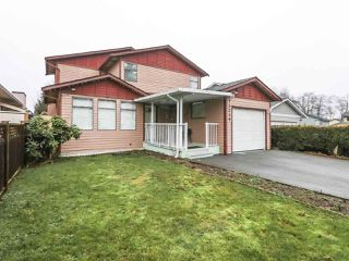 Photo 2: 13249 81A Avenue in Surrey: Queen Mary Park Surrey House for sale : MLS®# R2426727
