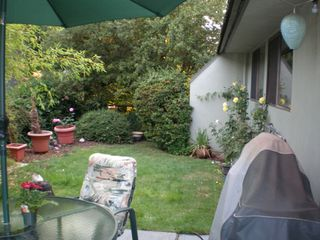 "Photo 2: 11 1923 PURCELL Way in North Vancouver: Lynnmour Condo for sale in ""LYNNMOUR SOUTH"" : MLS®# V781474"