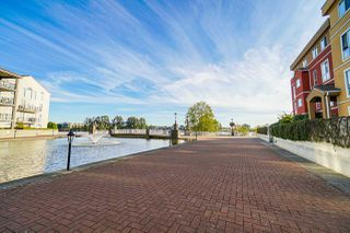 "Main Photo: 326 3 RIALTO Court in New Westminster: Quay Condo for sale in ""THE RIALTO"" : MLS®# R2429534"