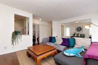 """Photo 4: 83 215 BEGIN Street in Coquitlam: Maillardville Condo for sale in """"PLACE FONTAINE BLEU"""" : MLS®# R2445214"""