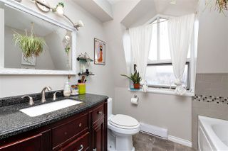 """Photo 14: 83 215 BEGIN Street in Coquitlam: Maillardville Condo for sale in """"PLACE FONTAINE BLEU"""" : MLS®# R2445214"""