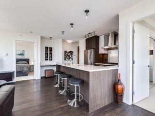 Photo 7: 2603 3007 GLEN Drive in Coquitlam: North Coquitlam Condo for sale : MLS®# R2475844