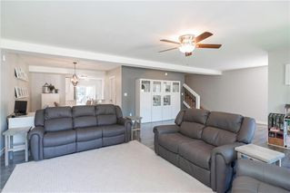 Photo 5: 561 Community Row in Winnipeg: Charleswood Residential for sale (1G)  : MLS®# 202017186