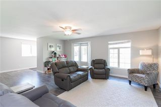 Photo 3: 561 Community Row in Winnipeg: Charleswood Residential for sale (1G)  : MLS®# 202017186