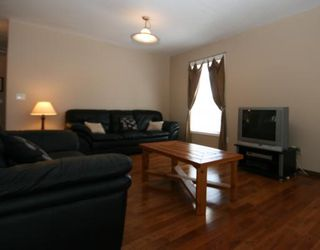 Photo 5: 32 WOODFORD Place SW in CALGARY: Woodbine Residential Detached Single Family for sale (Calgary)  : MLS®# C3393200