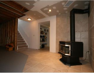 Photo 16: 32 WOODFORD Place SW in CALGARY: Woodbine Residential Detached Single Family for sale (Calgary)  : MLS®# C3393200