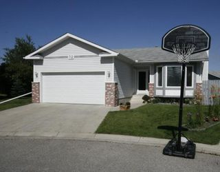 Photo 1: 32 WOODFORD Place SW in CALGARY: Woodbine Residential Detached Single Family for sale (Calgary)  : MLS®# C3393200