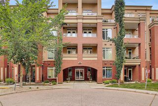 Photo 3: 2406 24 HEMLOCK Crescent SW in Calgary: Spruce Cliff Apartment for sale : MLS®# A1037328