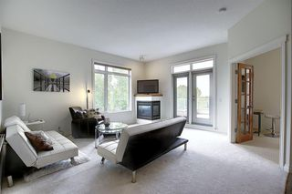 Photo 17: 2406 24 HEMLOCK Crescent SW in Calgary: Spruce Cliff Apartment for sale : MLS®# A1037328