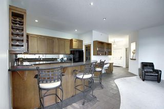 Photo 16: 2406 24 HEMLOCK Crescent SW in Calgary: Spruce Cliff Apartment for sale : MLS®# A1037328