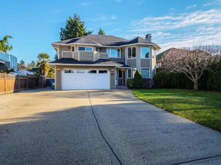 Main Photo: 4874 BLUEGROUSE Drive in Sechelt: Sechelt District House for sale (Sunshine Coast)  : MLS®# R2521983