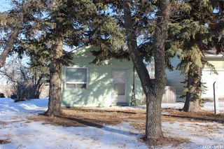 Photo 2: 11 Vimy Ridge Avenue in Mossbank: Residential for sale : MLS®# SK836186
