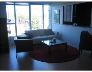 "Photo 3: 304 288 E 8TH Avenue in Vancouver: Mount Pleasant VE Condo for sale in ""METROVISTA"" (Vancouver East)  : MLS®# V806239"