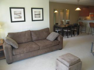 """Photo 4: 302 1150 E 29TH Street in North Vancouver: Lynn Valley Condo for sale in """"Highgate"""" : MLS®# V825979"""