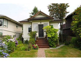 Photo 2: 4131 ETON Street in Burnaby: Vancouver Heights House for sale (Burnaby North)  : MLS®# V862774