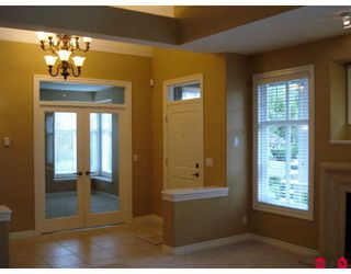 """Photo 2: 48 15715 34TH Avenue in Surrey: Morgan Creek Townhouse for sale in """"THE WEDGEWOOD"""" (South Surrey White Rock)  : MLS®# F2830362"""