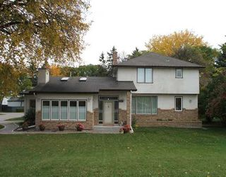 Photo 1: 275 LYNDALE Drive in WINNIPEG: St Boniface Residential for sale (South East Winnipeg)  : MLS®# 2819870
