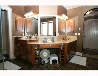 Photo 15: 44 Lynx Ridge Boulevard NW in CALGARY: Lynx Ridge Calgary Residential Detached Single Family for sale (Calgary)  : MLS®# C3372479