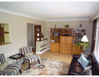 Photo 3: 505 KIMBERLY Avenue in WINNIPEG: East Kildonan Residential for sale (North East Winnipeg)  : MLS®# 2905439