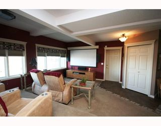 Photo 14: 48 Slopeview Drive SW in CALGARY: The Slopes Residential Detached Single Family for sale (Calgary)  : MLS®# C3376319