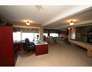 Photo 13: 48 Slopeview Drive SW in CALGARY: The Slopes Residential Detached Single Family for sale (Calgary)  : MLS®# C3376319