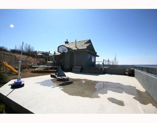 Photo 19: 48 Slopeview Drive SW in CALGARY: The Slopes Residential Detached Single Family for sale (Calgary)  : MLS®# C3376319