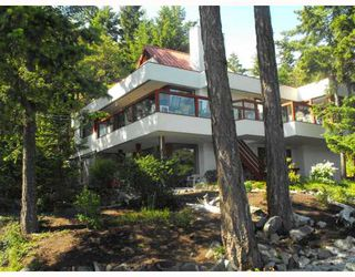 Main Photo: 9166 IONIAN Road in Halfmoon Bay: Halfmn Bay Secret Cv Redroofs House for sale (Sunshine Coast)  : MLS®# V774333
