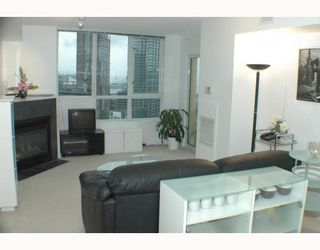 """Photo 3: 2305 63 KEEFER Place in Vancouver: Downtown VW Condo for sale in """"EUROPA"""" (Vancouver West)  : MLS®# V780304"""