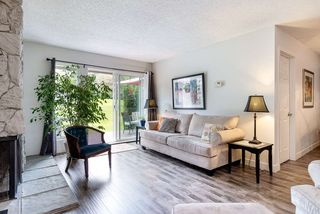 """Photo 3: 9573 WILLOWLEAF Place in Burnaby: Forest Hills BN Townhouse for sale in """"SPRING RIDGE"""" (Burnaby North)  : MLS®# R2462681"""