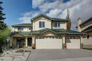 Photo 2: 32 COUNTRY HILLS Close NW in Calgary: Country Hills Detached for sale : MLS®# C4297950