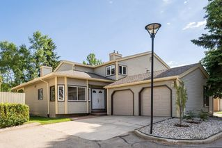 Photo 1: 1069 109 Street in Edmonton: Zone 16 House Half Duplex for sale : MLS®# E4208480